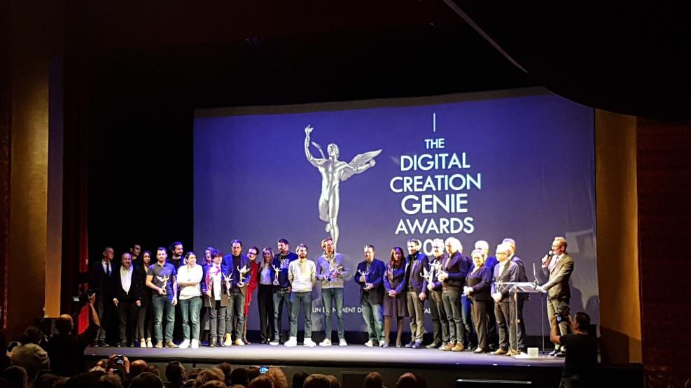 Les participants de l'IntereFX sur scène après le visionnage de leurs travaux